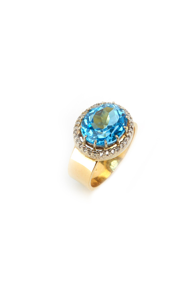 Yellow Gold Blue Zircon Diamond Ring