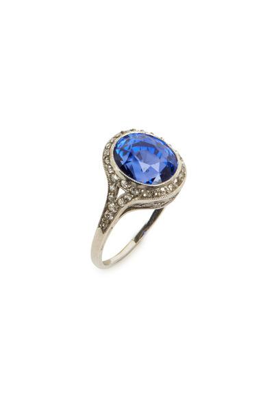 Fred Leighton - Edwardian Oval Sapphire Diamond Ring