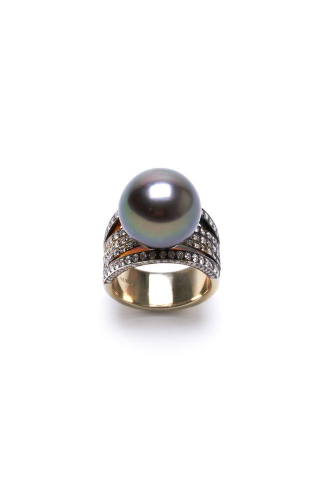 Yellow Gold Black Tahitian Pearl Diamond Ring