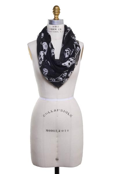 Alexander McQueen - Black & White Classic Skull Scarf
