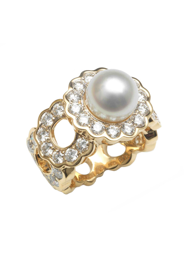 Yellow Gold Pearl Cluster Diamond Ring
