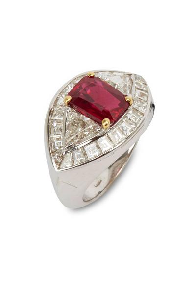 Fred Leighton - Gold Burma Ruby & Diamond Ring