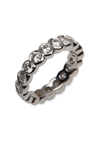 Graff - White Gold Round-Cut Diamond Scallop Eternity Band