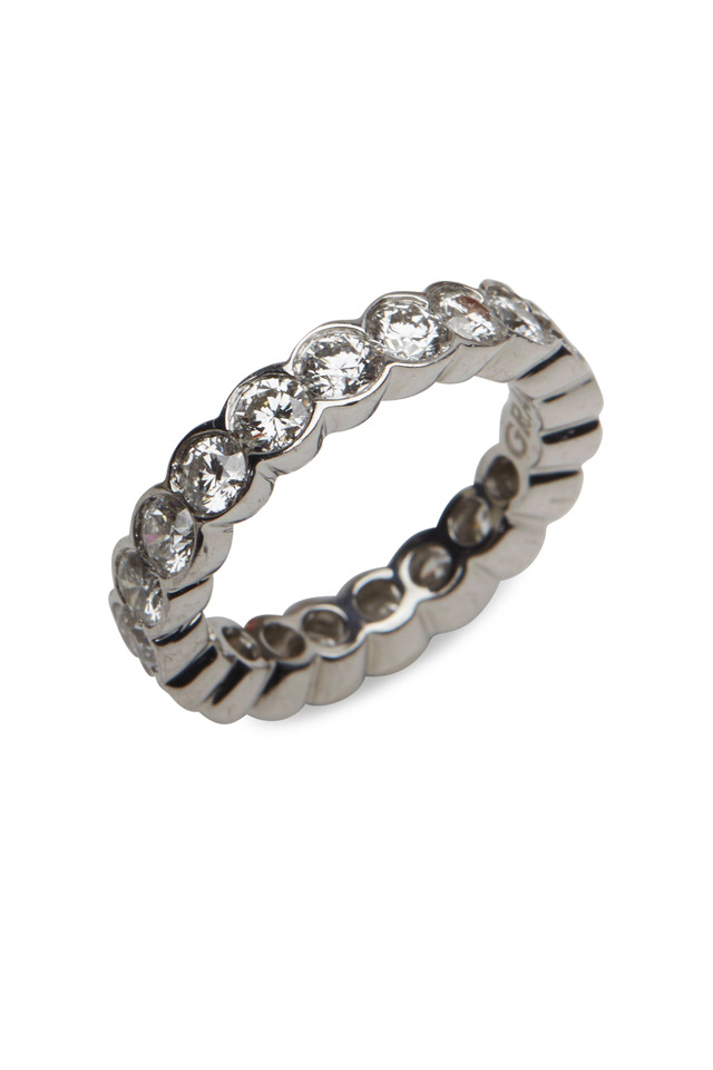 White Gold Round-Cut Diamond Scallop Eternity Band