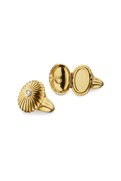 Monica Rich Kosann - Yellow Gold Scallop Locket Ring
