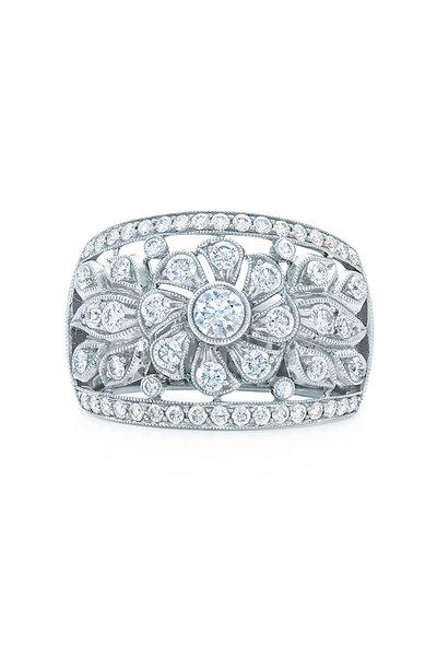 Kwiat - 18K White Gold Vintage Diamond Ring