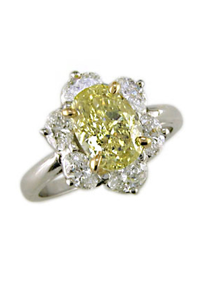 Oscar Heyman - Yellow and White Diamond Ring