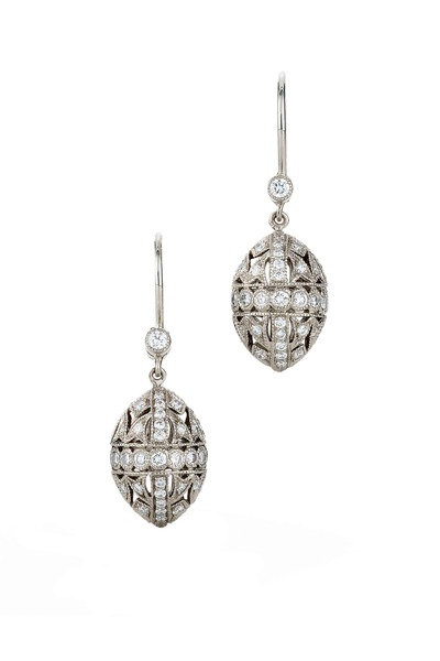 Kwiat - Vintage White Gold Diamond Capsule Dangle Earring