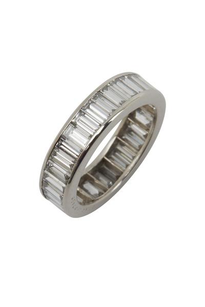 Oscar Heyman - Platinum Cross-Set Diamond Ring