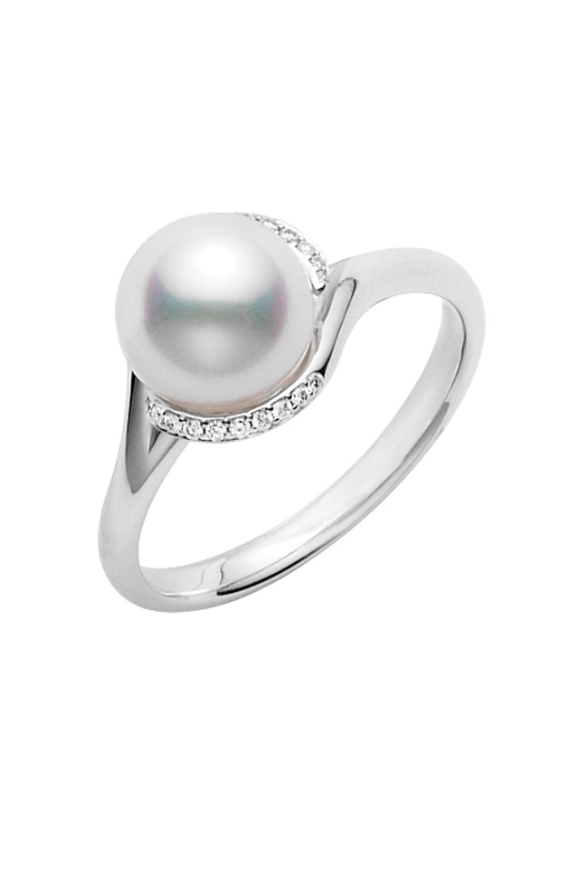 White Gold Akoya Pearl Diamond Ring