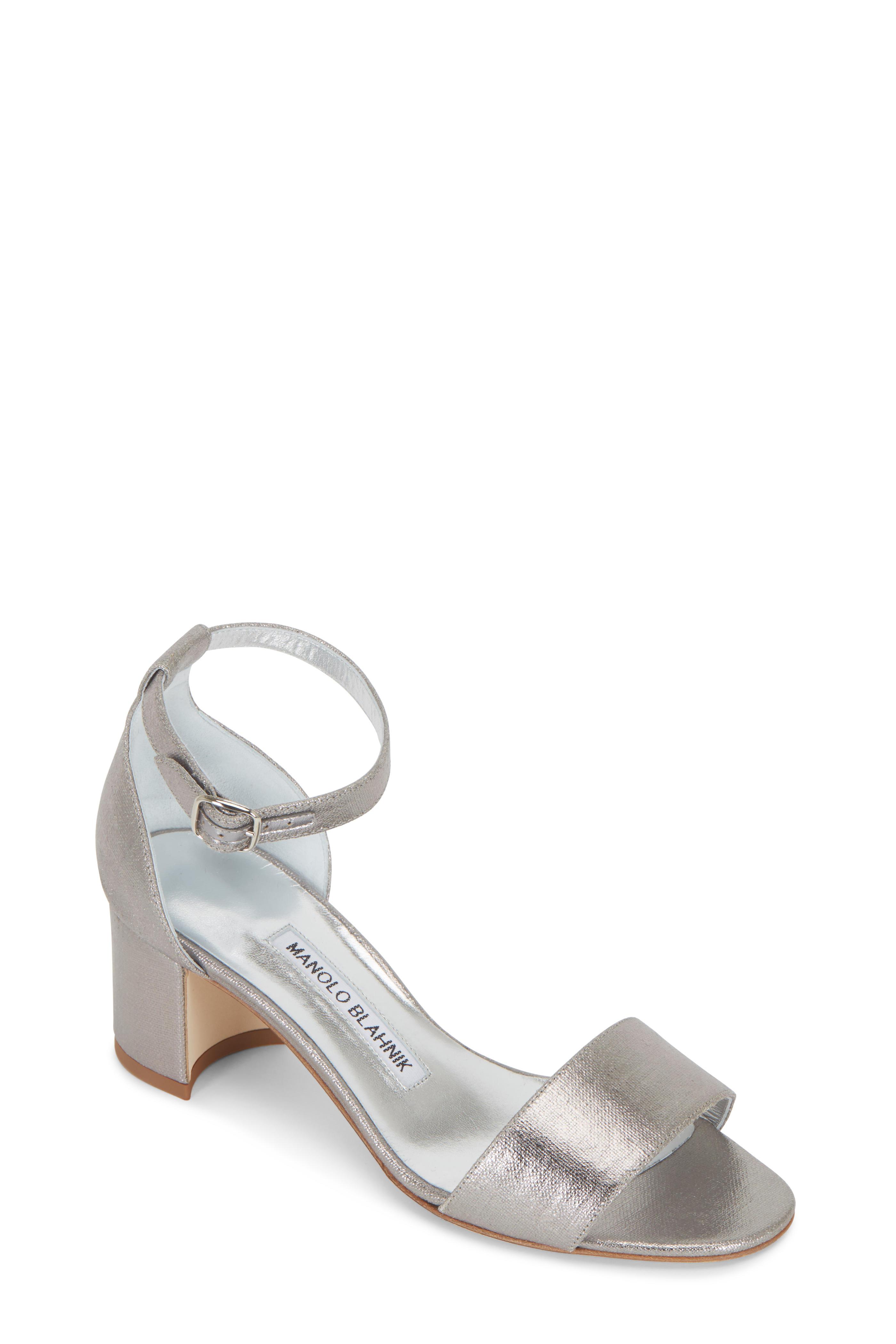 7c45a3c98d2 Manolo Blahnik - Lauratomod Silver One Band Linen Sandal