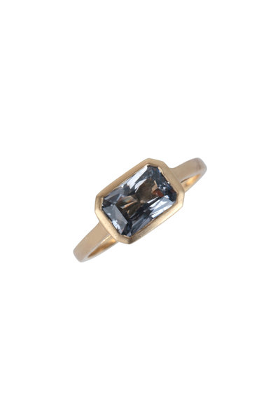 Cairo - 18K Yellow Gold Gray Spinel Ring