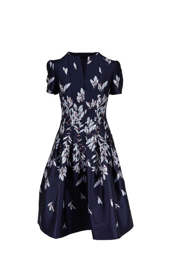 c83bfb43d5bfee Oscar de la Renta Navy Taffeta Floral Embroidered Short Sleeve Dress