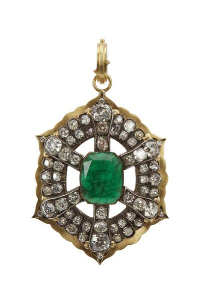 Sylva & Cie - Yellow Gold Georgian Emerald Diamond Pendant