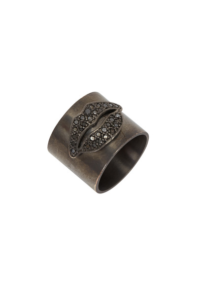 Tulah Jem - Black Rhodium Black Diamond Lips Cylinder Ring