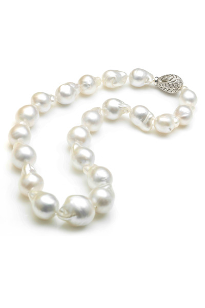 Assael - Baroque Pearl Necklace With Diamond Clasp