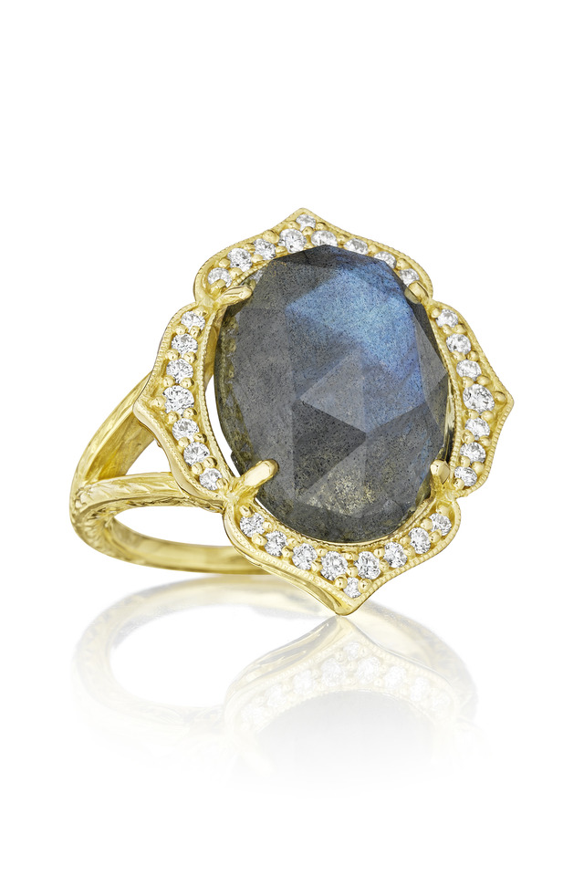 Oval Labradorite Gold Ring