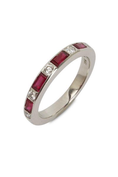 Oscar Heyman - Ruby & Diamond Guard Ring