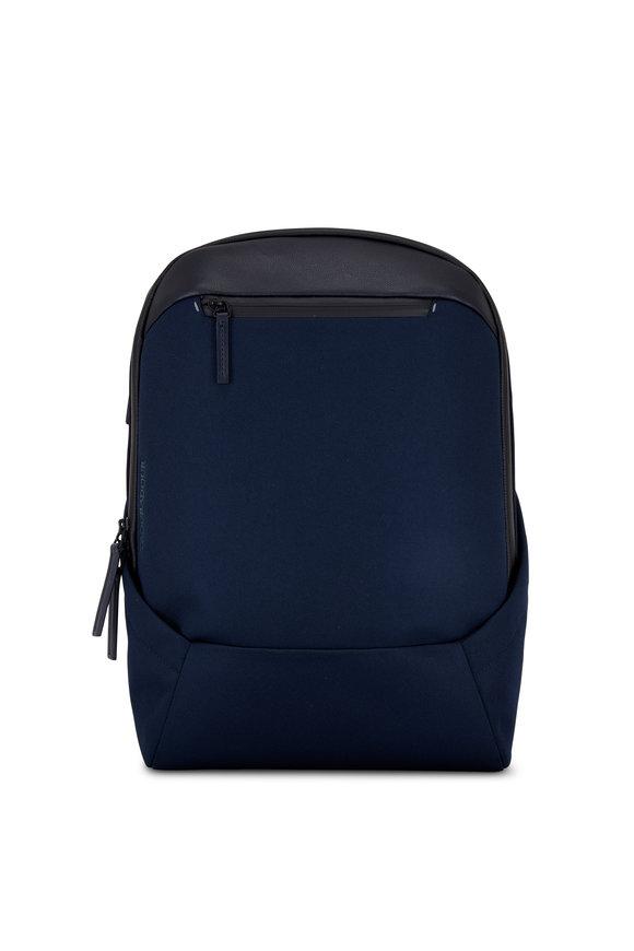 Troubadour Apex Black Explorer Compact Backpack
