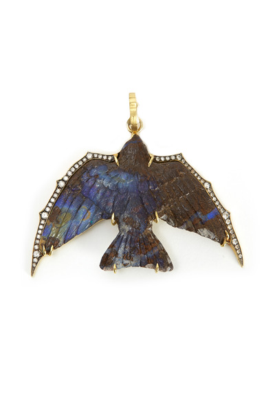 Sylva & Cie - Yellow Gold Carved Opal Swallow Pendant