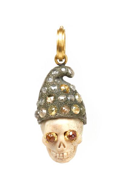 Sylva & Cie - Gold Romeo Skull Diamond Pendant