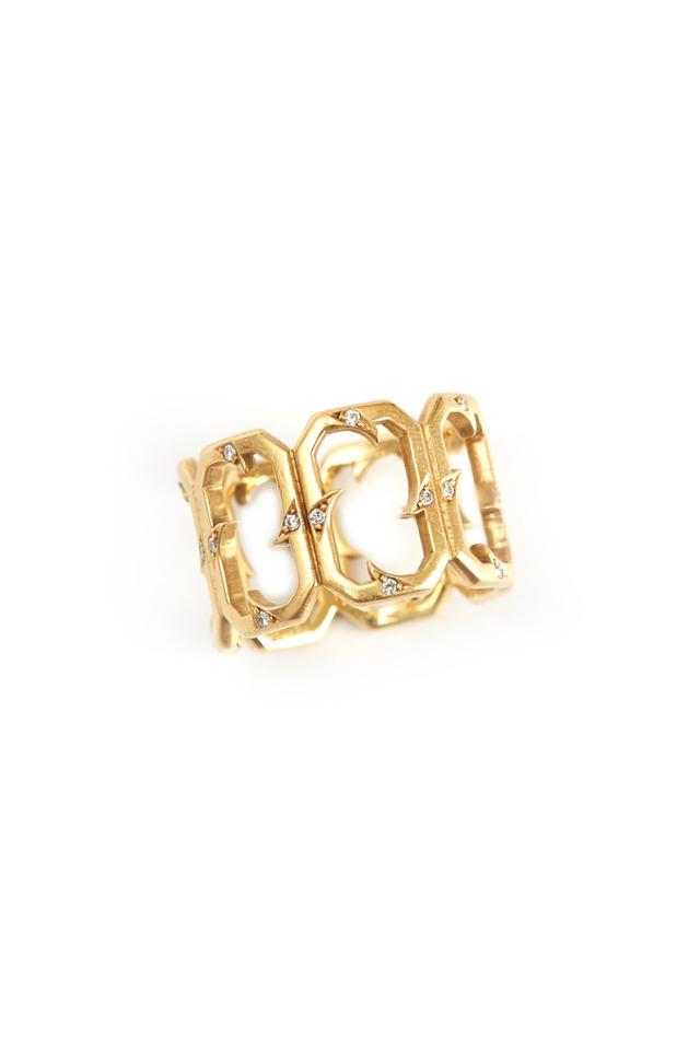Gold Thorn Windows Diamond Ring