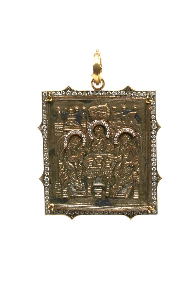 Gold Travel Icon Diamond Pendant