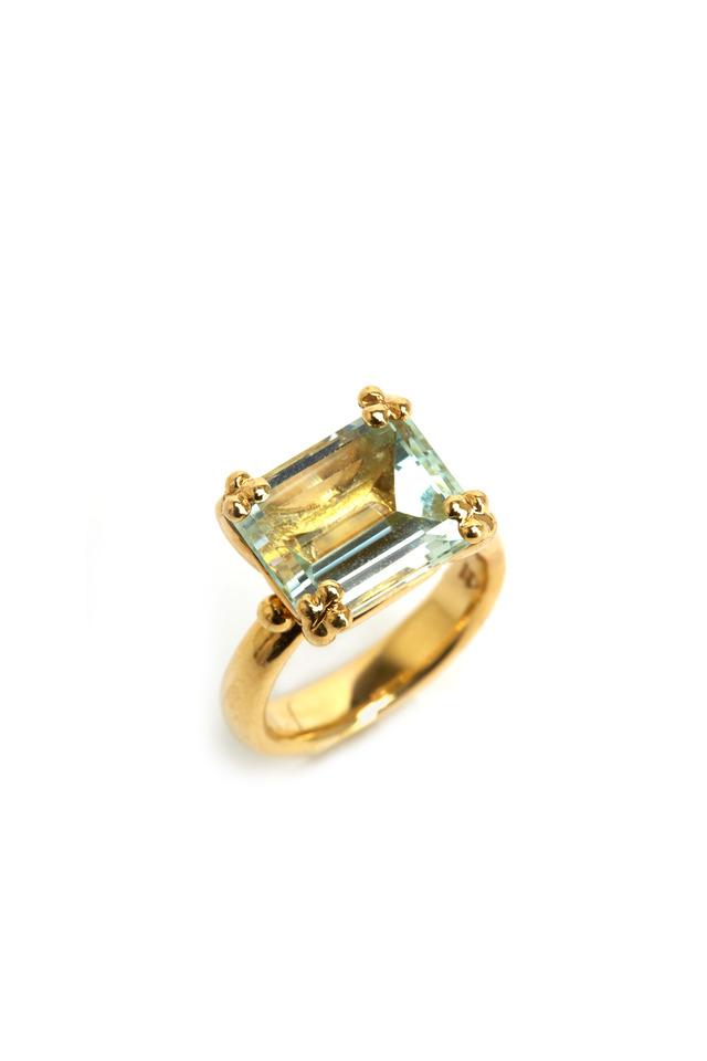 Gold Horizontal Green Beryl Ring