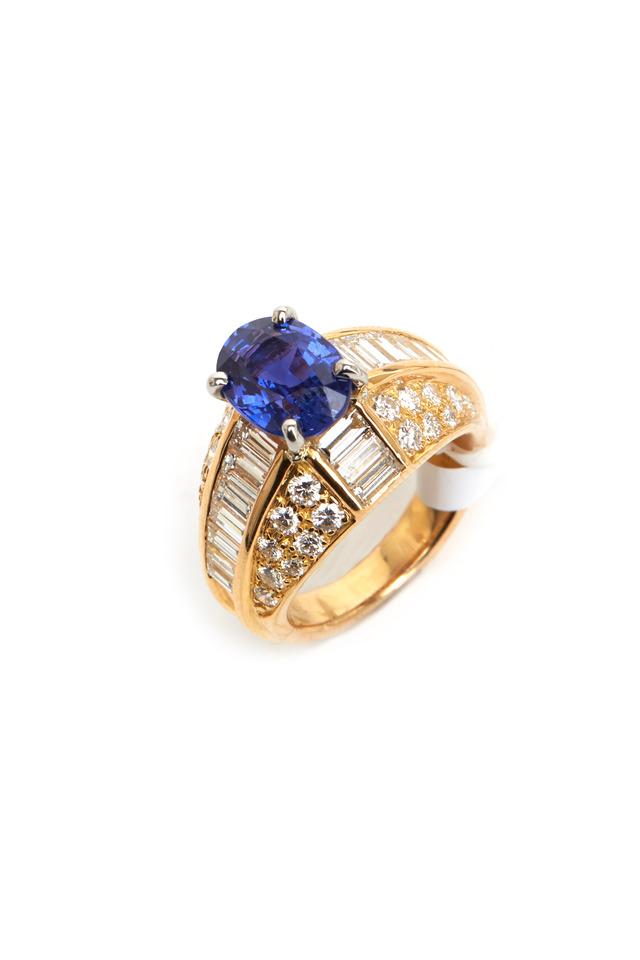 Gold Platinum No Heat Sapphire Ring