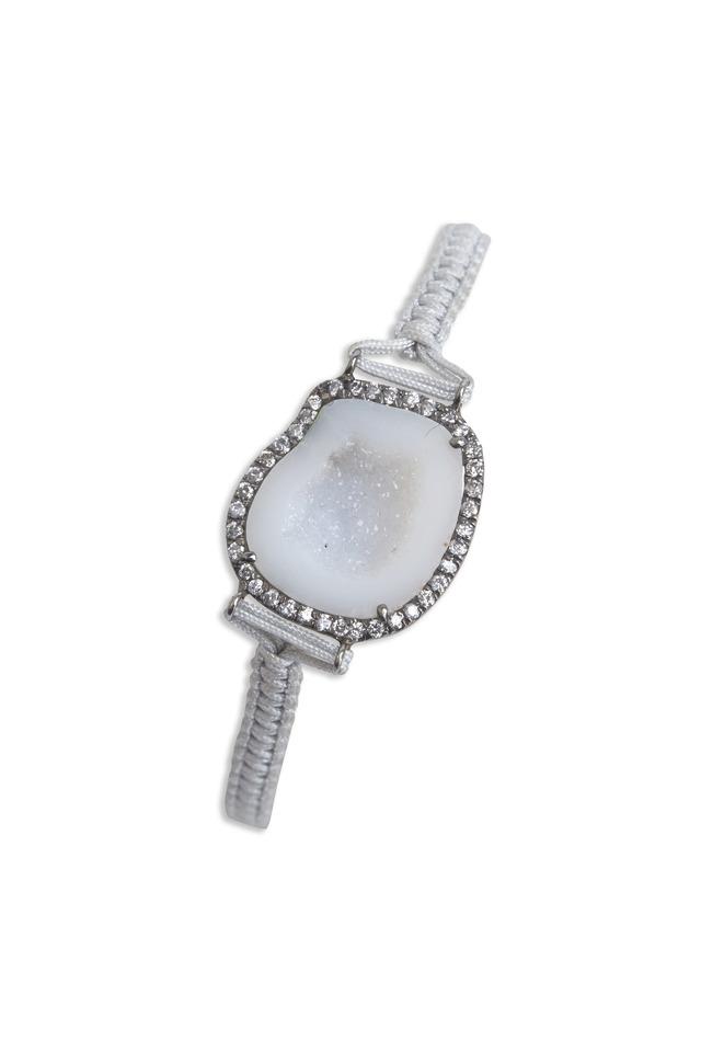 White Gold Diamond Bezel Geode Macramé Bracelet