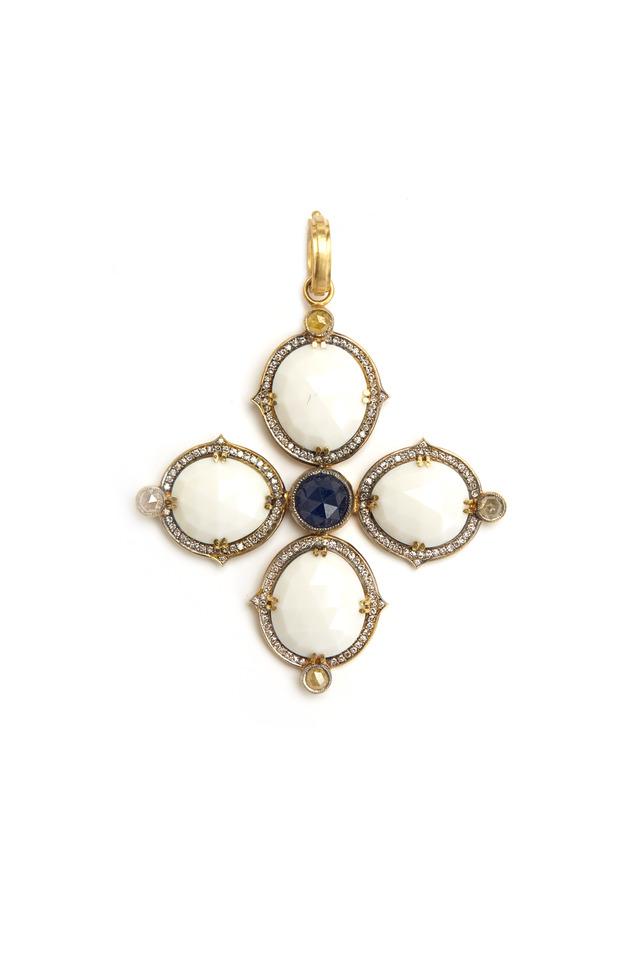 Cashalong Yellow Gold Diamond Pendant