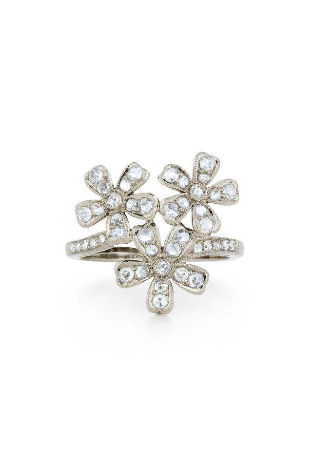 Vintage White Gold 3 Flowers Diamond Ring
