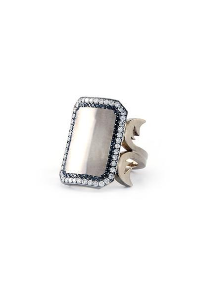 Sylva & Cie - White Gold Black & White Diamond Blank Signet Ring
