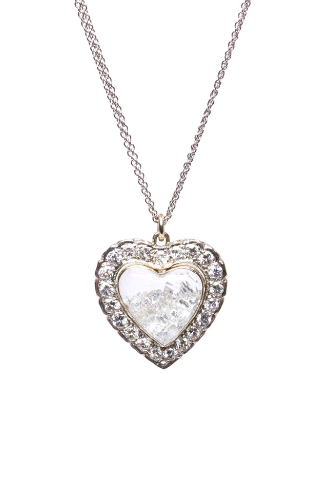 White Gold Diamond Rim Heart Shake Necklace